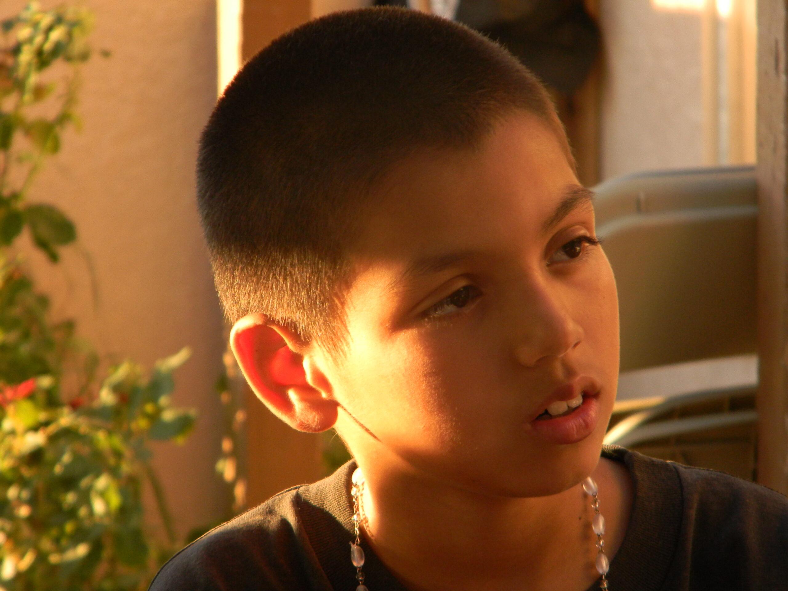 A Child's Request / Un Niño Pide